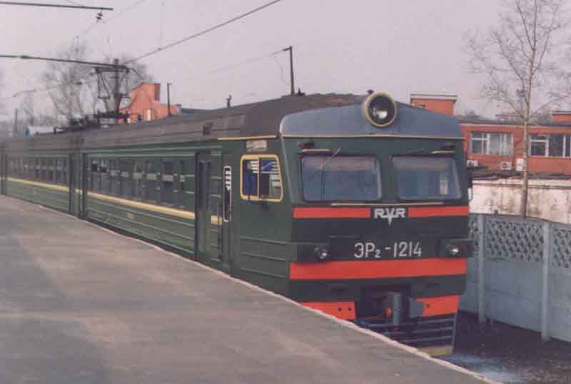 Следующая картинка (Электропоезда ЭР2р N 7032 и ЭР2т N 7178).  Предыдущая картинка (Электропоезд ЭР2 N 1145).